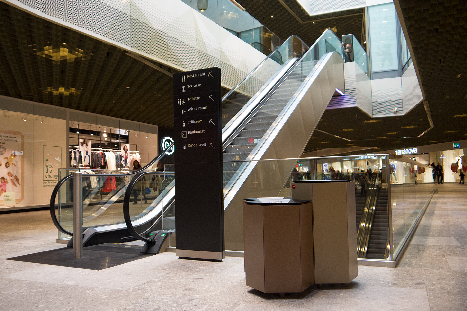 THE MALL OF SWITZERLAND - EBIKON (LUCERNA) - SVIZZERA-image-10