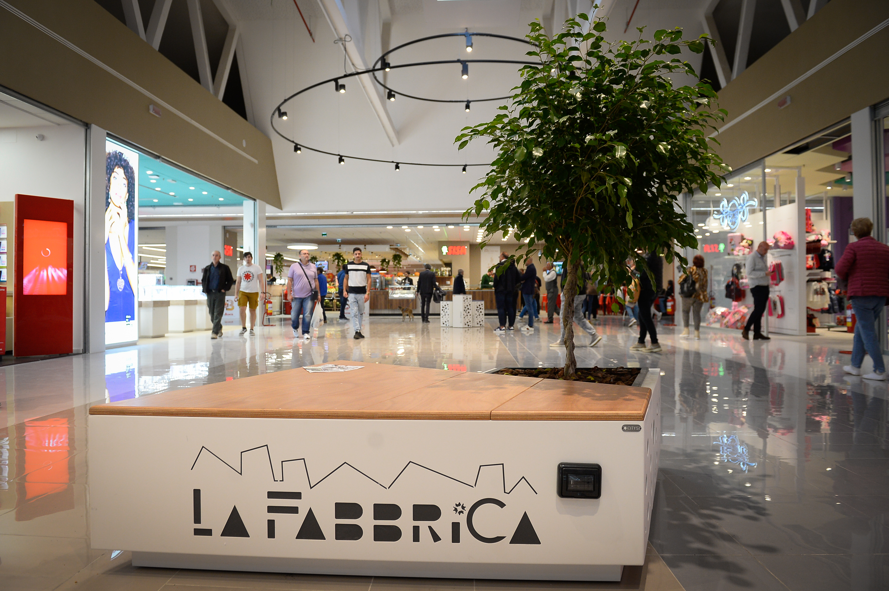 "SHOPPING MALL ""LA FABBRICA"" OF SALERNO - ITALY-image-4"
